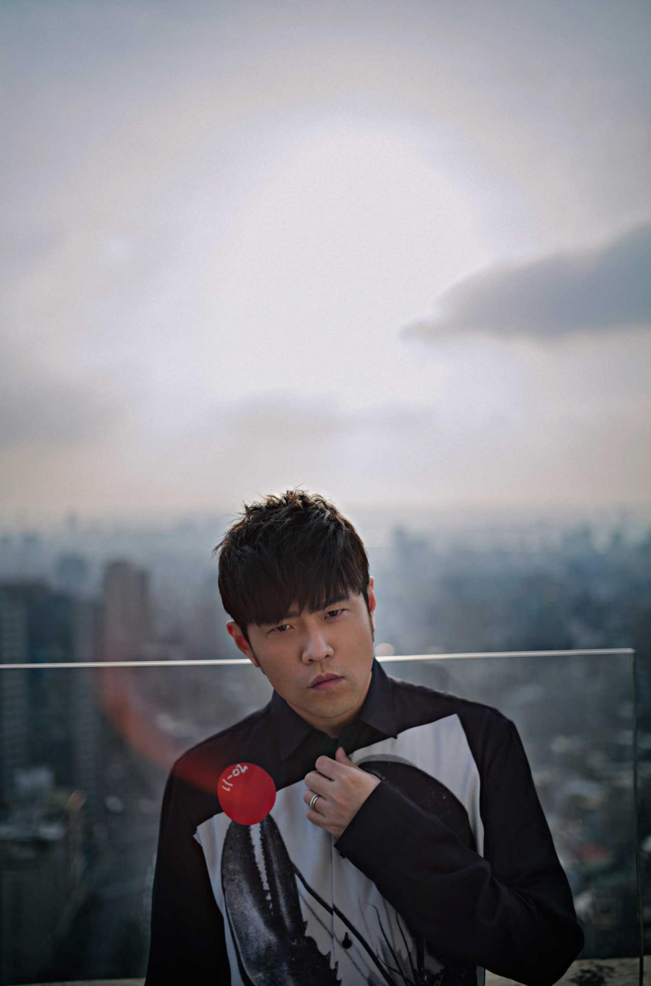 Jay-Chou's-Portrait-(4)-(photo-courtesy-of-Sotheby's-x-Enviseam).jpg
