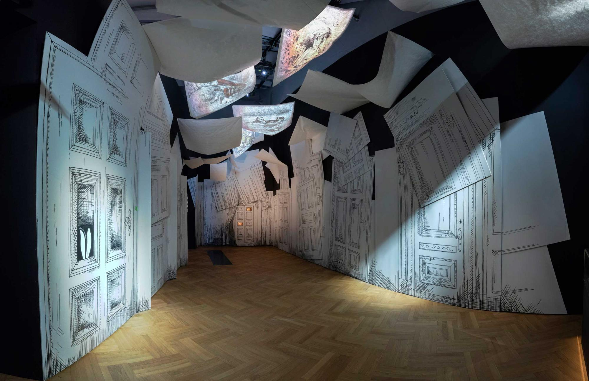 Alice-Curiouser-and-Curiouser,-May-2021,-Installation-Image-(c)-Victoria-and-Albert-Museum,-London-(2).jpg