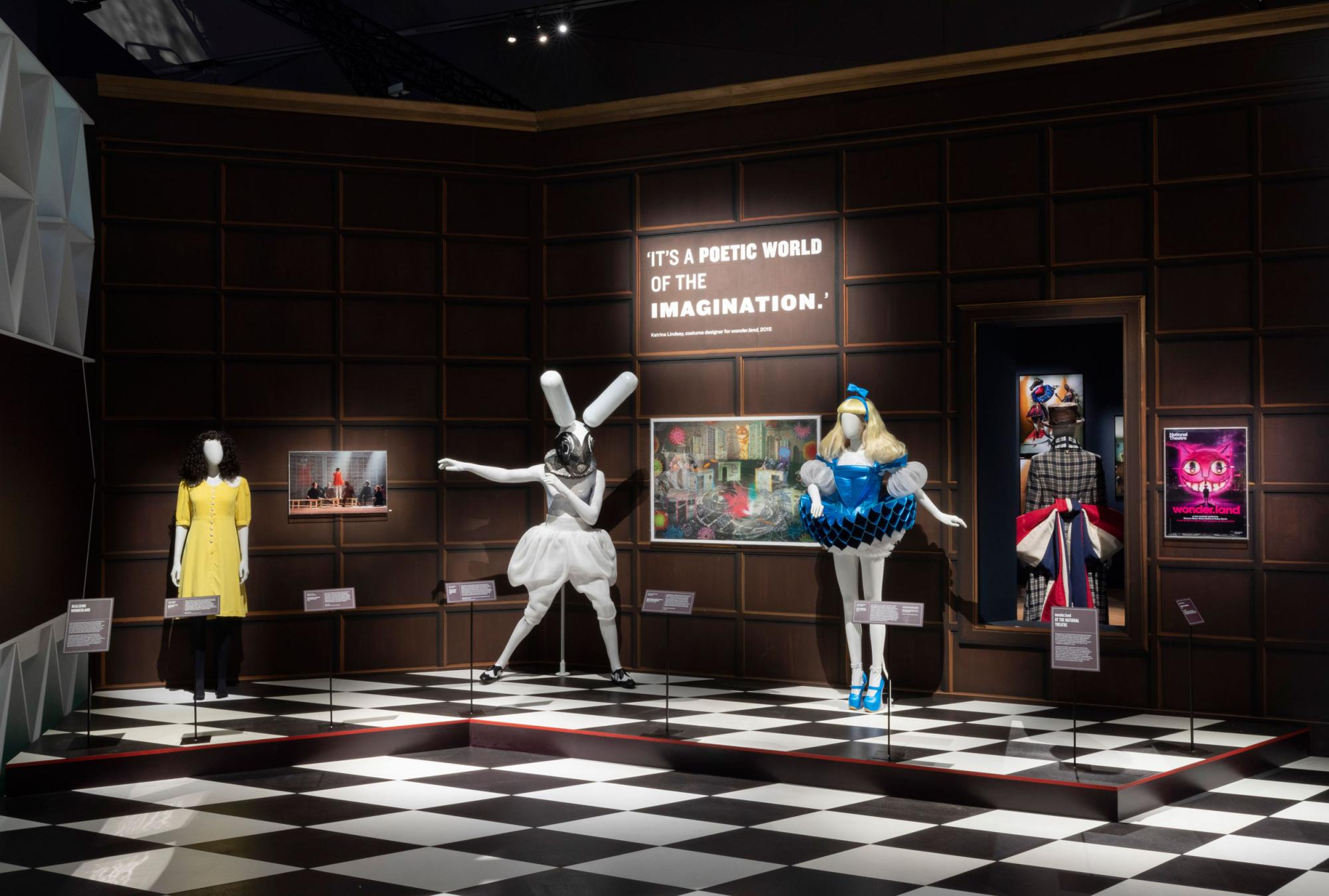 Alice-Curiouser-and-Curiouser,-May-2021,-Installation-Image-(c)-Victoria-and-Albert-Museum,-London-(24).jpg