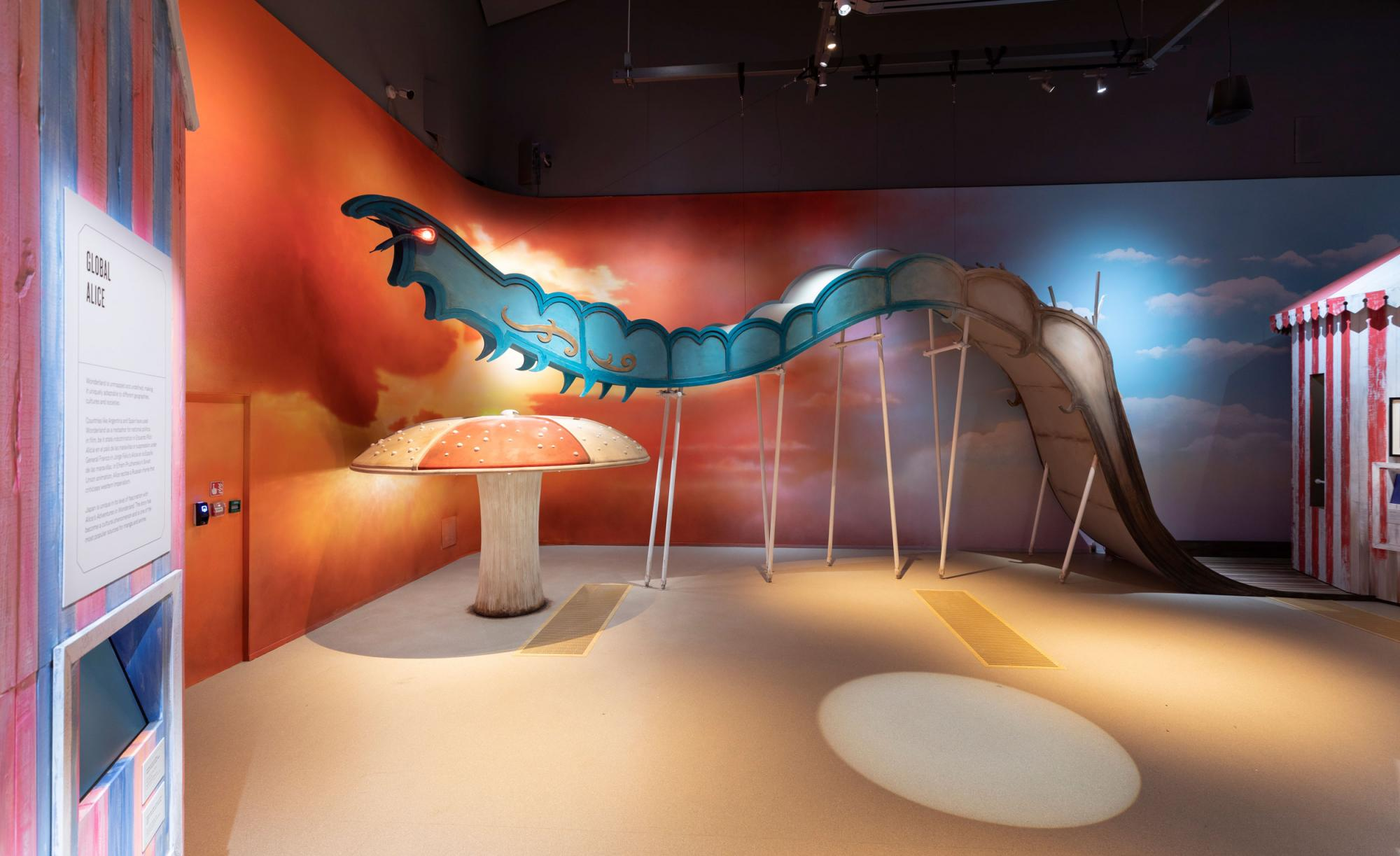 Alice-Curiouser-and-Curiouser,-May-2021,-Installation-Image-(c)-Victoria-and-Albert-Museum,-London-(31).jpg