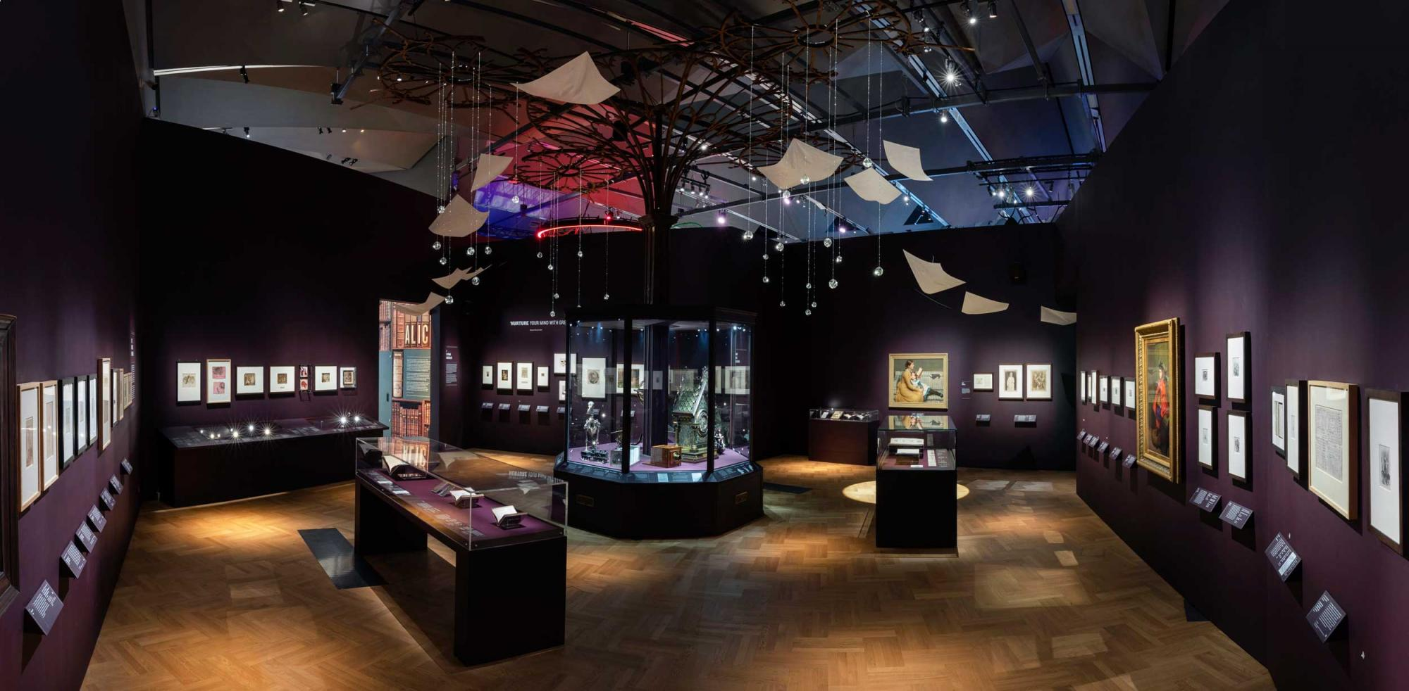 Alice-Curiouser-and-Curiouser,-May-2021,-Installation-Image-(c)-Victoria-and-Albert-Museum,-London.jpg