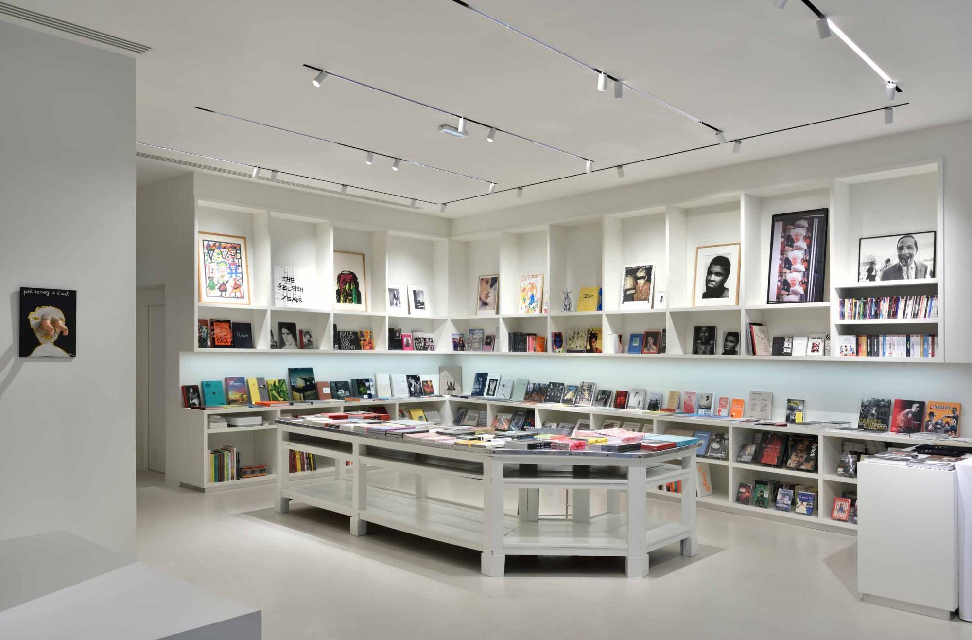 La-Fab Bookstore.jpg