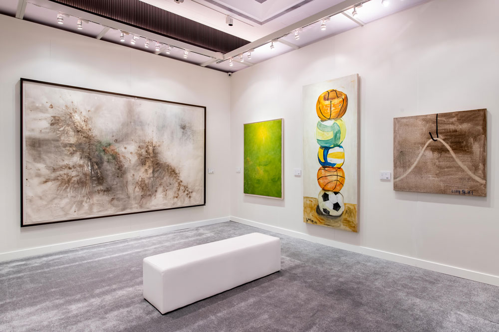 Phillips-in-Association-with-Poly-Auction_20th-Century-and-Contemporary-Art--Fall-Sales_HK-Preview_8.jpg